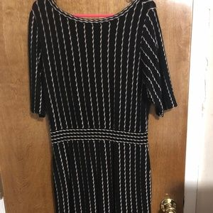 Taylor Short Sleeve Knit Patterned Dress